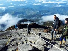 Climbing-up-the-rope.jpg